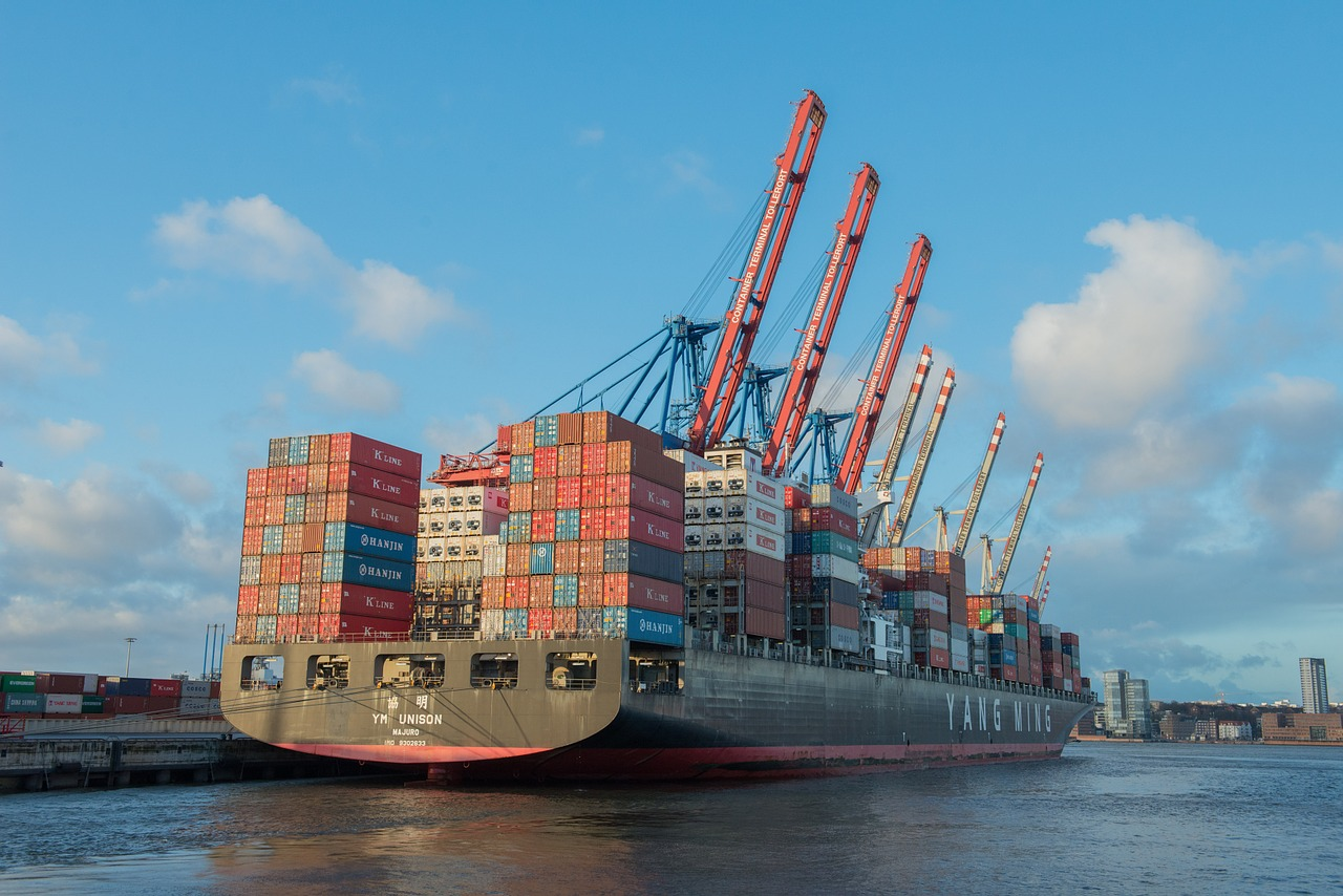 container-ship-596083_1280